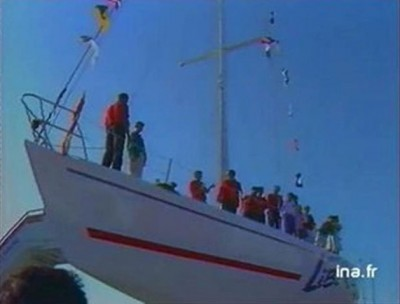 Grégory Dubourg baptise le bateau / Esprit de Liberté au cidre Manoir du Pavillon en août 1989