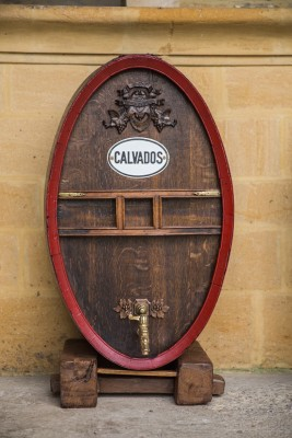 An oak barrel